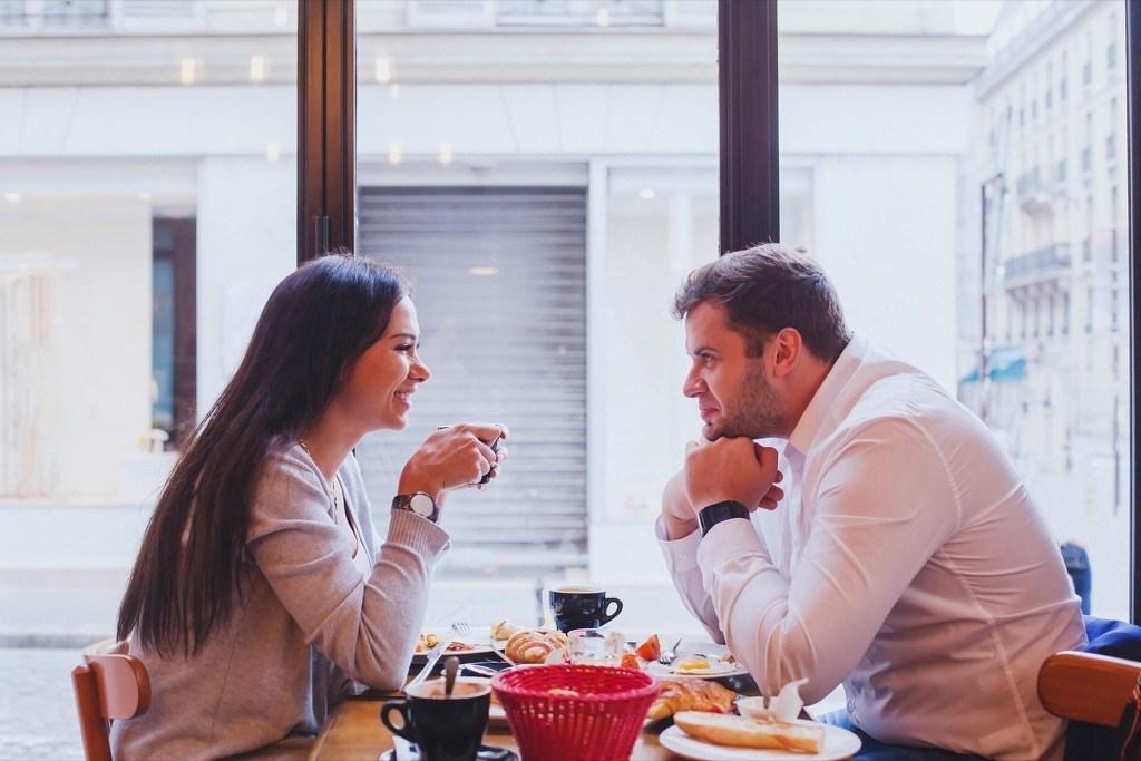 13-secrets-que-vous-devriez-toujours-garder-de votre-partenaire-40-ans-et-plus-1