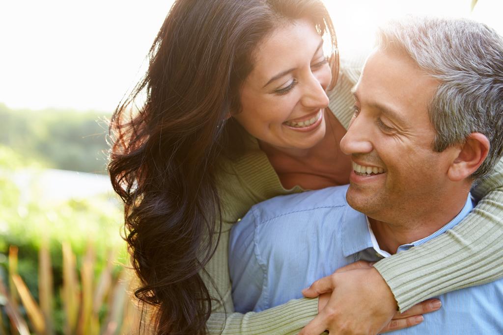 couple-plus-jeune-40-et-plus