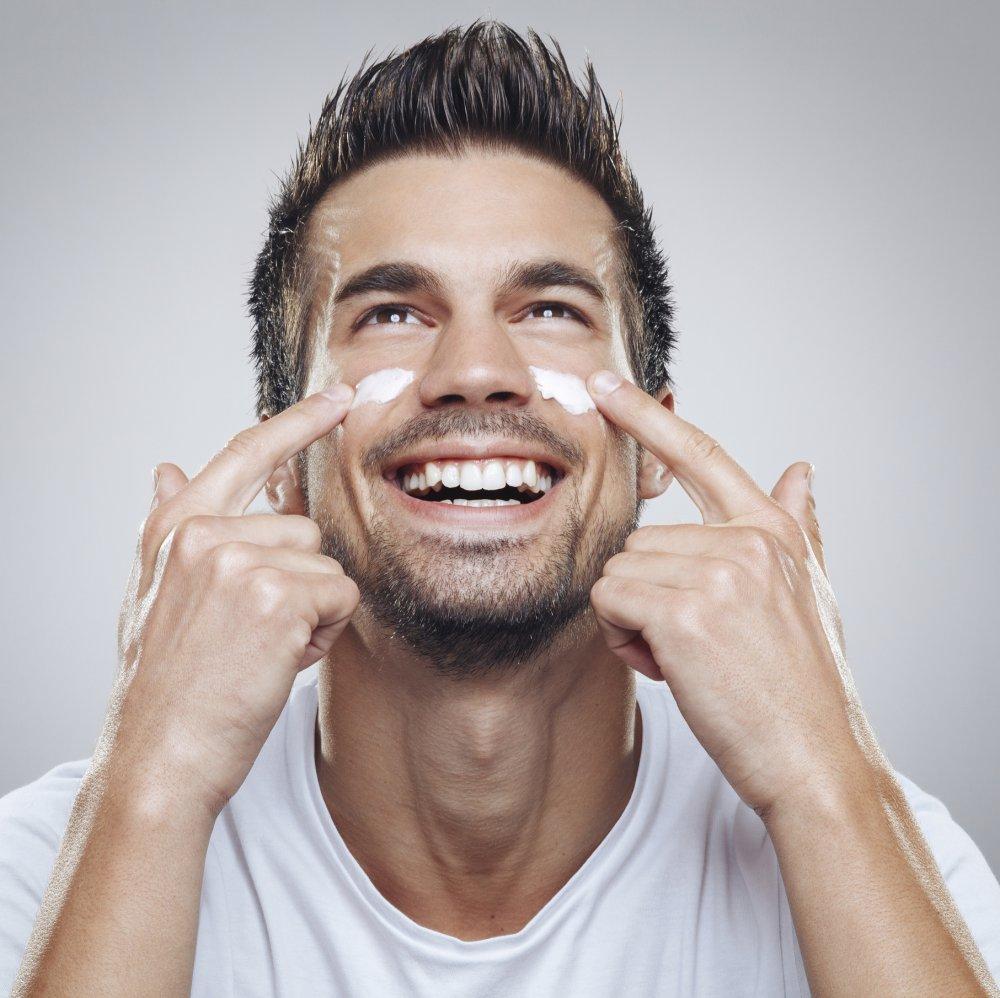 soin-visage-homme-paraitre-jeune-40-et-plus