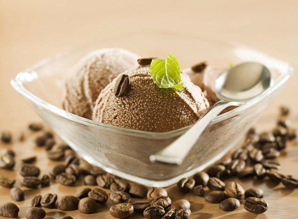 aliments-malsains-40-ans-et-plus-glace-cafe