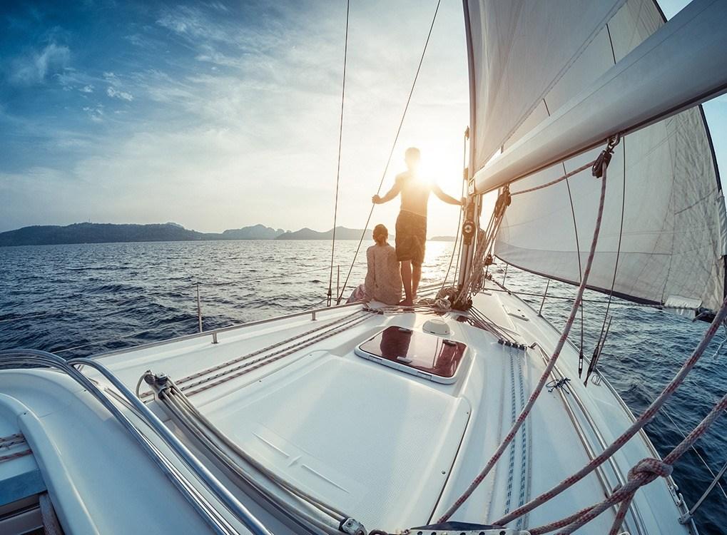 couple-sur-yacht-40-facons-conquerir-quarantaine-40 et plus