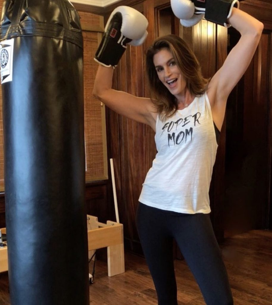 Cindy-Crawford-forme-physique-mannequin-40etplus